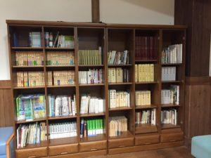 あづみの学校本棚